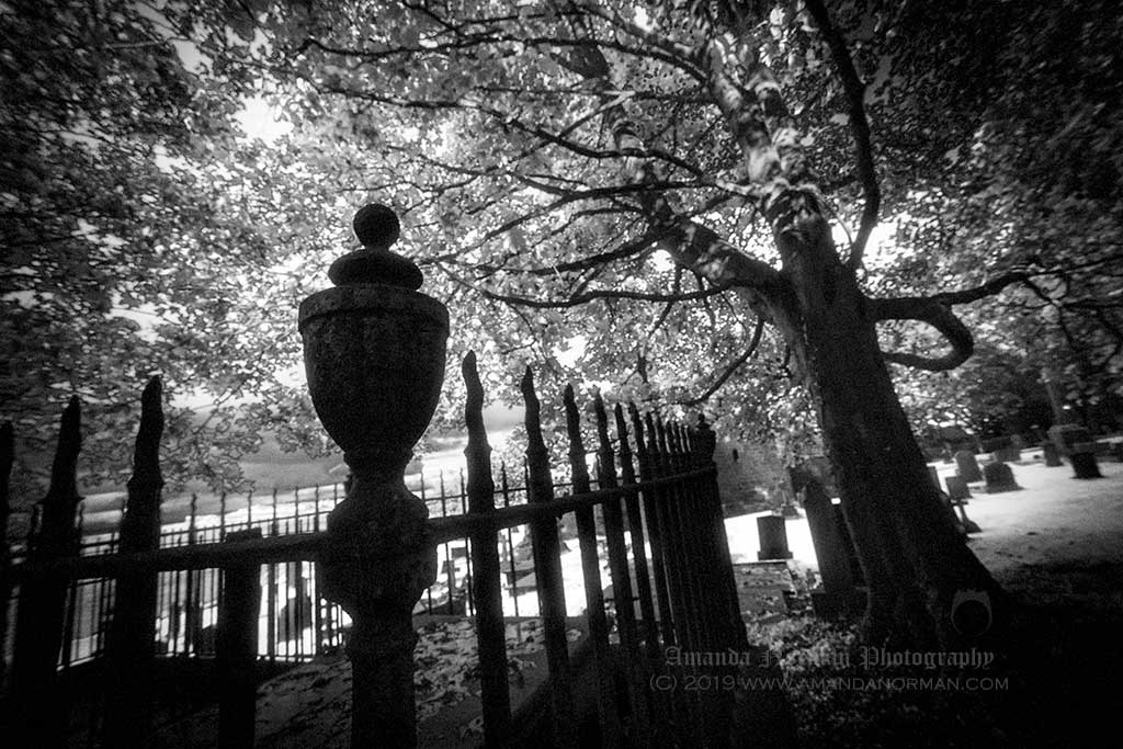 Graveyard photography of Amanda Norman - In the dark